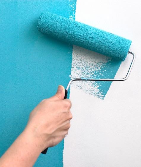 Как покрасить стены внутри помещения: особенности