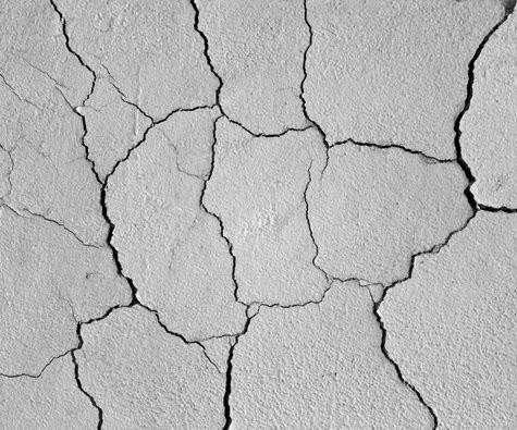 трещины на стенах